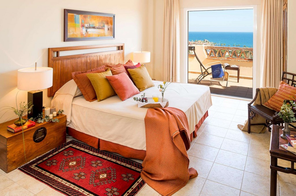 Warm and inviting rooms in every apartment at Santa Cruz Suites